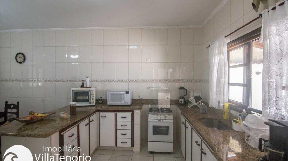 Casa-venda-centro-ubatuba-cozinha-2