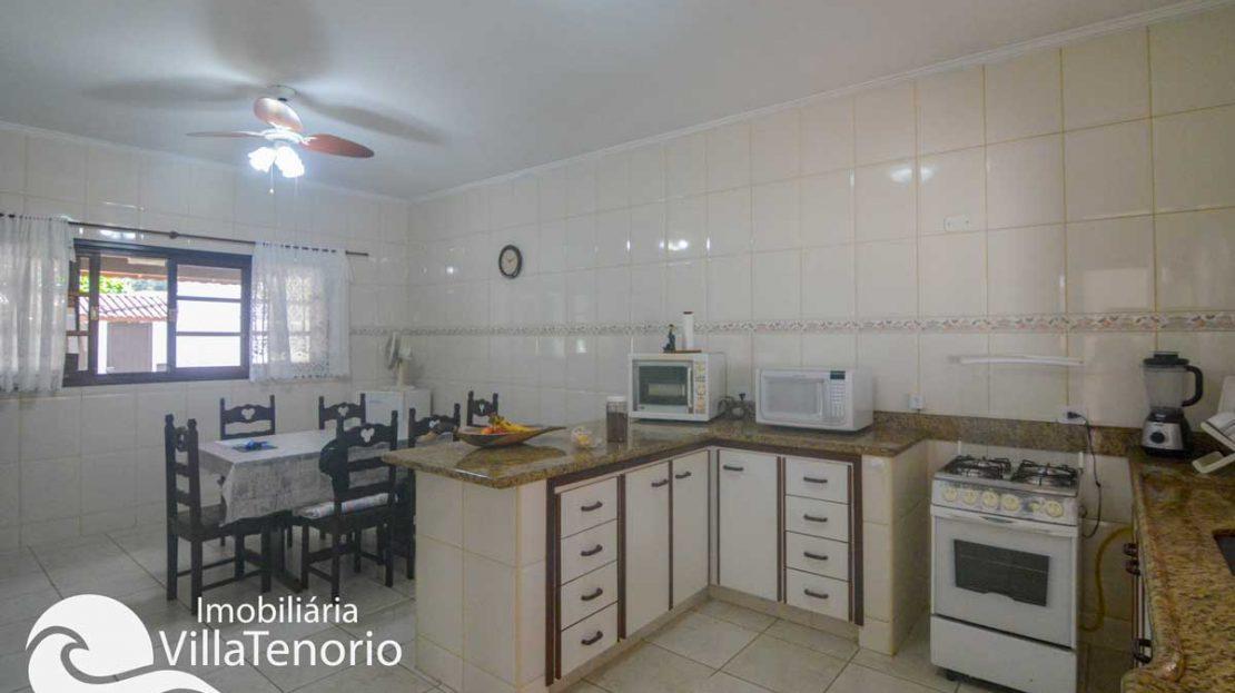 Casa-venda-centro-ubatuba-cozinha-3