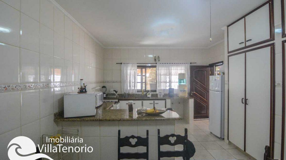 Casa-venda-centro-ubatuba-cozinha-4