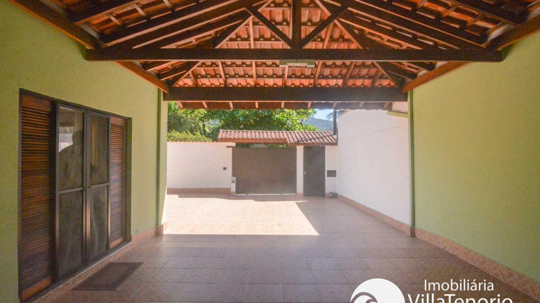 Casa-venda-centro-ubatuba-garagem