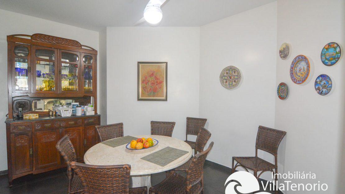 Casa_venda_toninhas_ubatuba_mesa