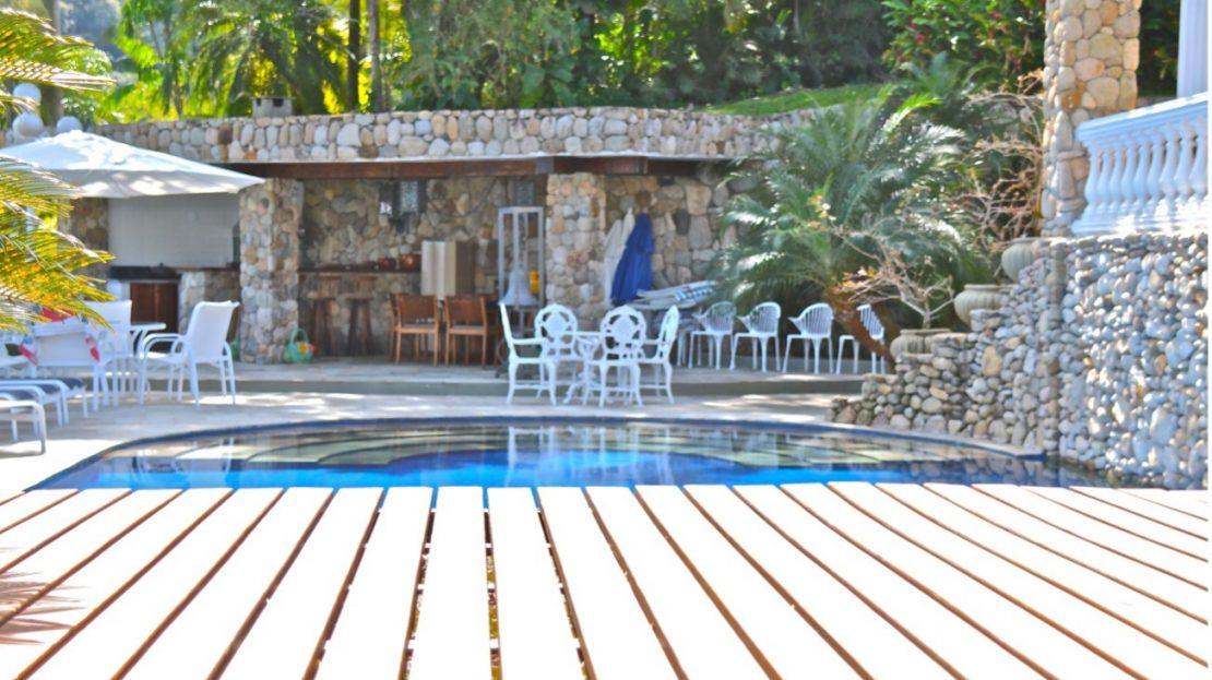 Casa alto padrão para vender na Praia Domingas Dias em Ubatuba-SP