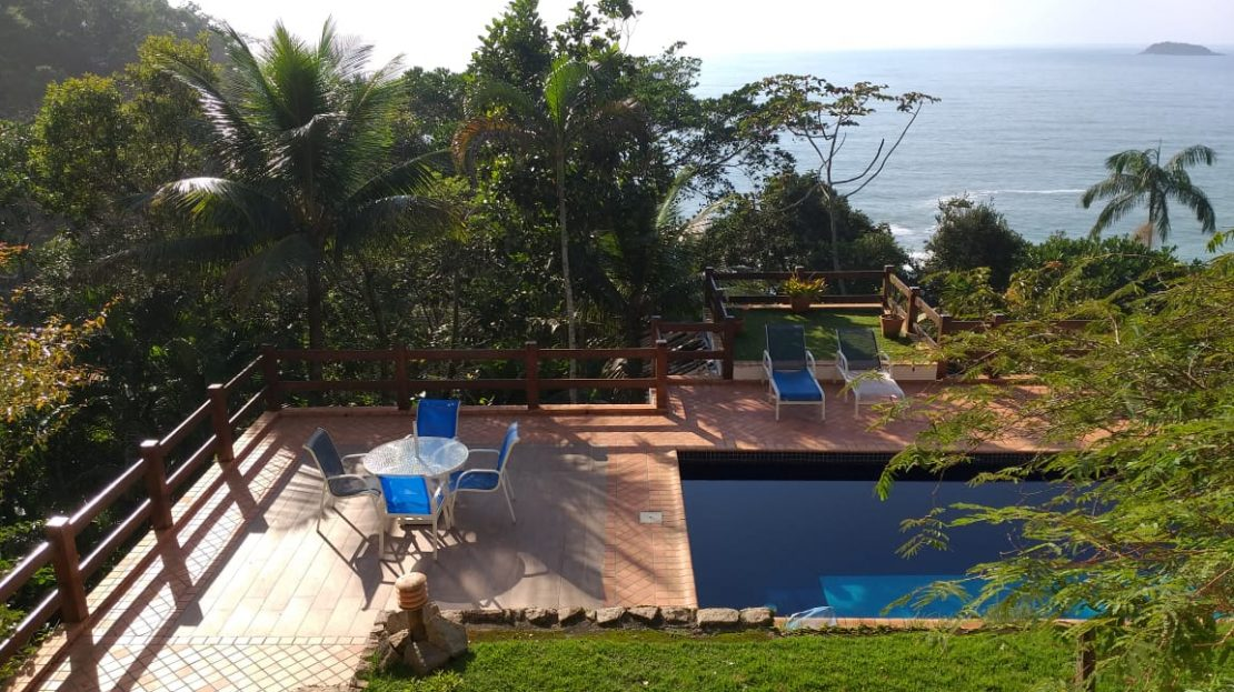 Casa alto padrão à venda na Praia das Toninhas