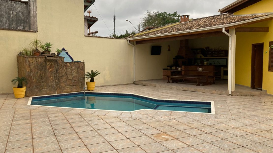 Casa para vender no Centro de Ubatuba-SP