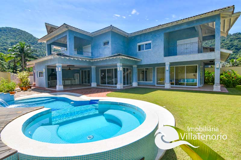 Casa alto padrão para vender na Praia da Lagoinha em Ubatuba-SP