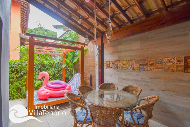 Casa para vender em condomínio fechado na Praia das Toninhas em Ubatuba-SP