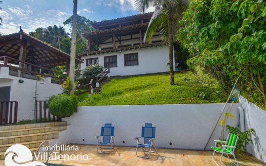 Casa para vender na Praia Vermelha do Centro em Ubatuba/SP, com vista para o mar