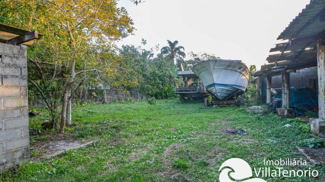Terreno para vender na Praia do Lazaro em Ubatuba