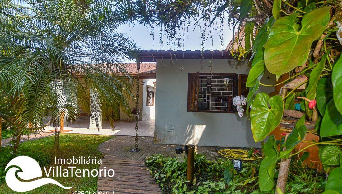 Casa perto do mar para vender na Praia da Enseada em Ubatuba